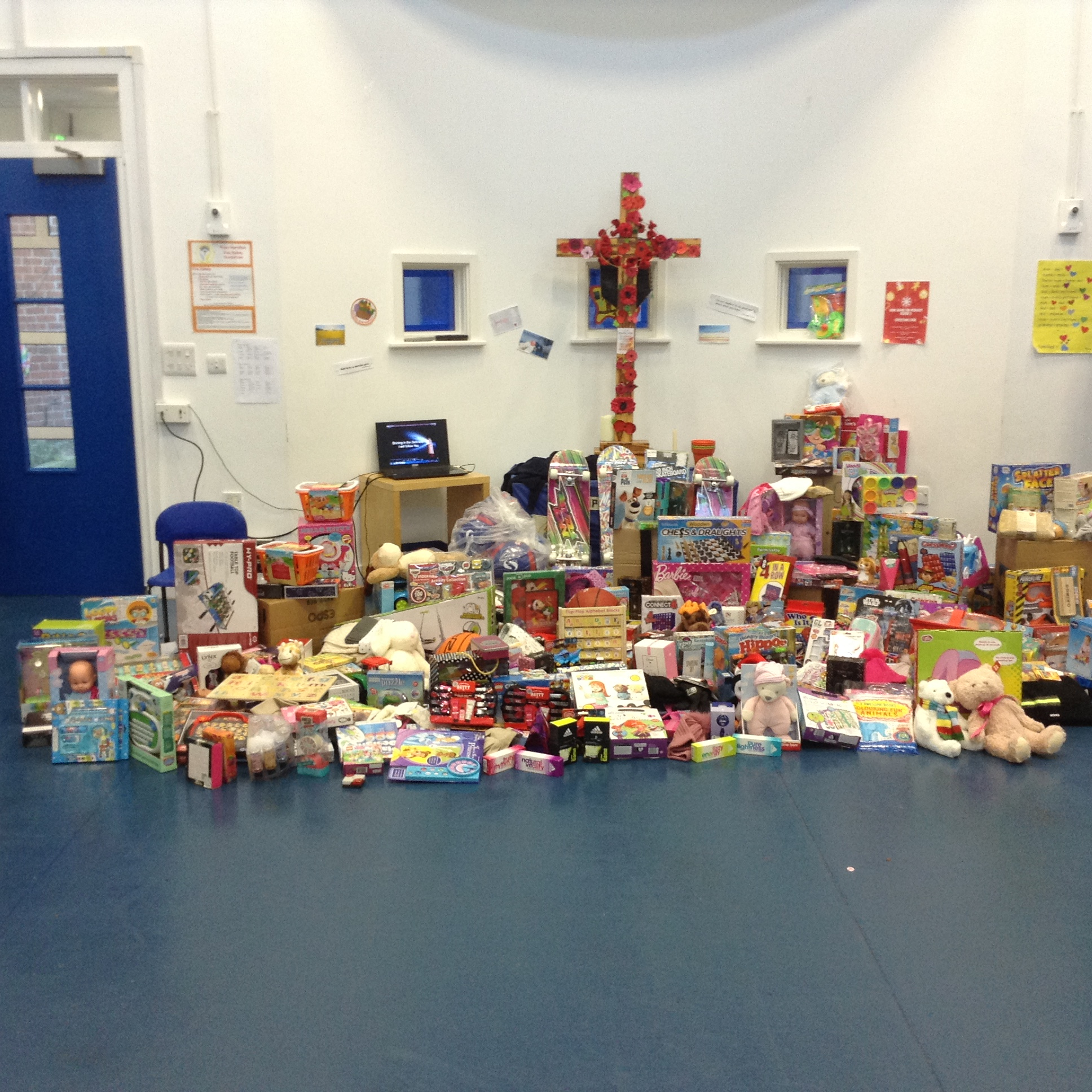 280 Toys and Gifts at Hope Hamilton CE Primary School
